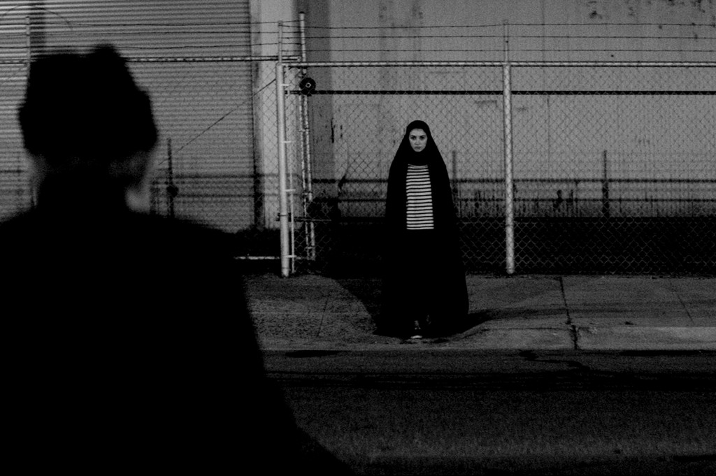 COMP_Photo film A GIRL WALKS HOME ALONE AT NIGHT 2