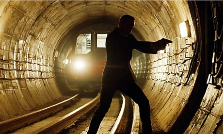 Daniel Craig tube