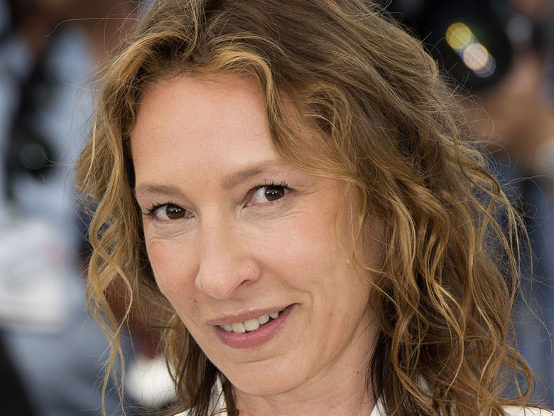 A-Cannes-Emmanuelle-Bercot-est-la-reine-du-tapis-rouge