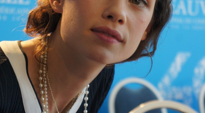 I Origins Astrid Berges Frisbey et Mike Cahill